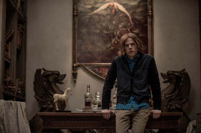 Batman-v-Superman-Movie-Picture-Still-Lex-Luthor-Jesse-Eisenberg-800x532