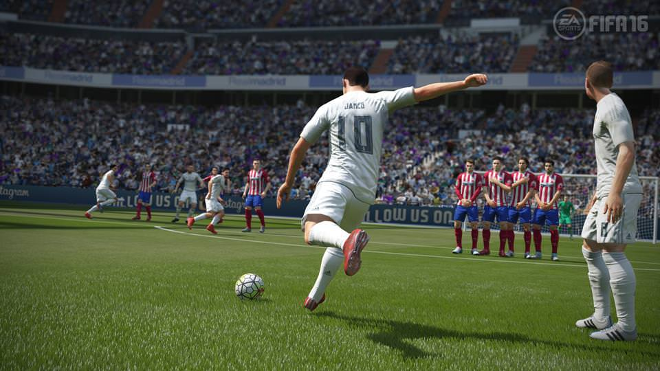 FIFA16_XboxOne_PS4_Gamescom_RMvATL_LR_WM-Copy