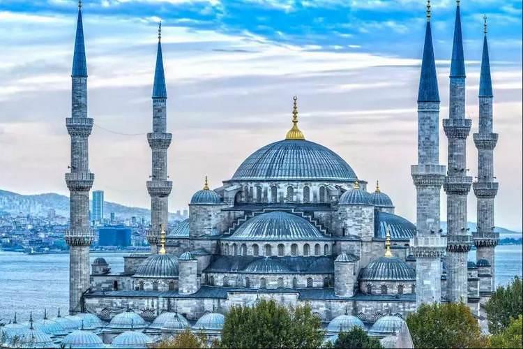 معروف ترین جاذبه های استانبول که باید بشناسید