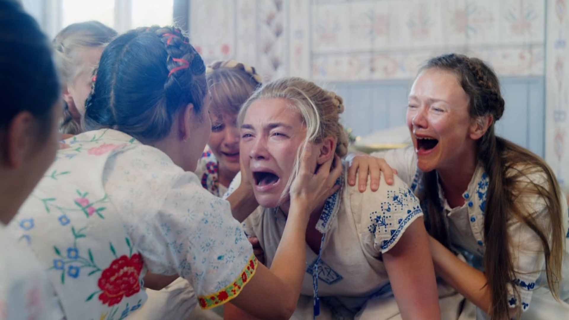 Florence Pew is crying with the other girls in the movie Midsommar