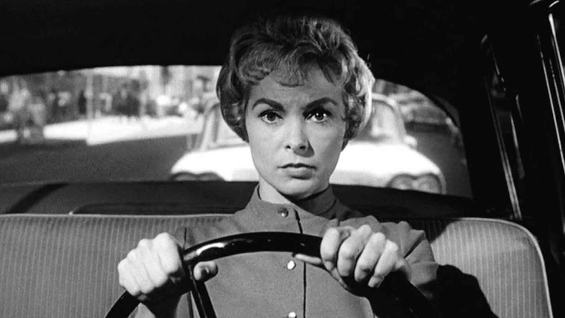 Janet Lee is behind the wheel in the black and white version of Psycho